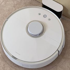Test of the vacuum robot Robotrock S6 and S5
